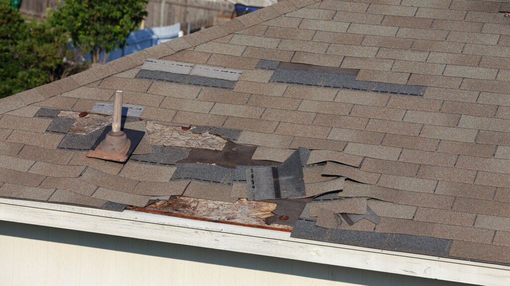 How to Fix a Roof After a Storm